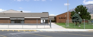 Picture of Farr West Elementary School.