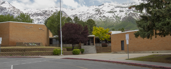 Picture of Bates Elementary School.