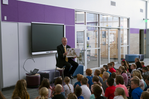 Superintendent Stephens reads to students at Silver Ridge Elementary