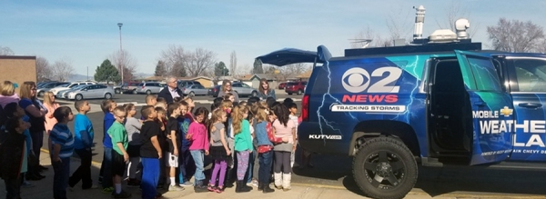 Sterling Poulson, Chief Meteorologist for KUTV 2News, visits Valley View Elementary