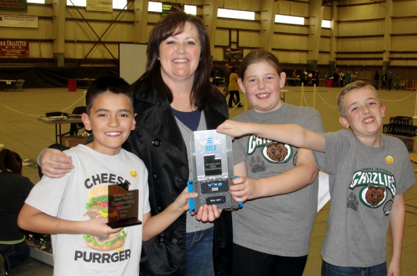 Green Acres Elementary will send students to the World Robotics Championship