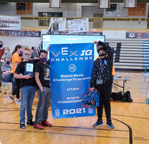 Green Acres 6th grade team wins the State Championship for Robot Skills!