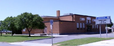 Pictrure of Lakeview Elementary School.